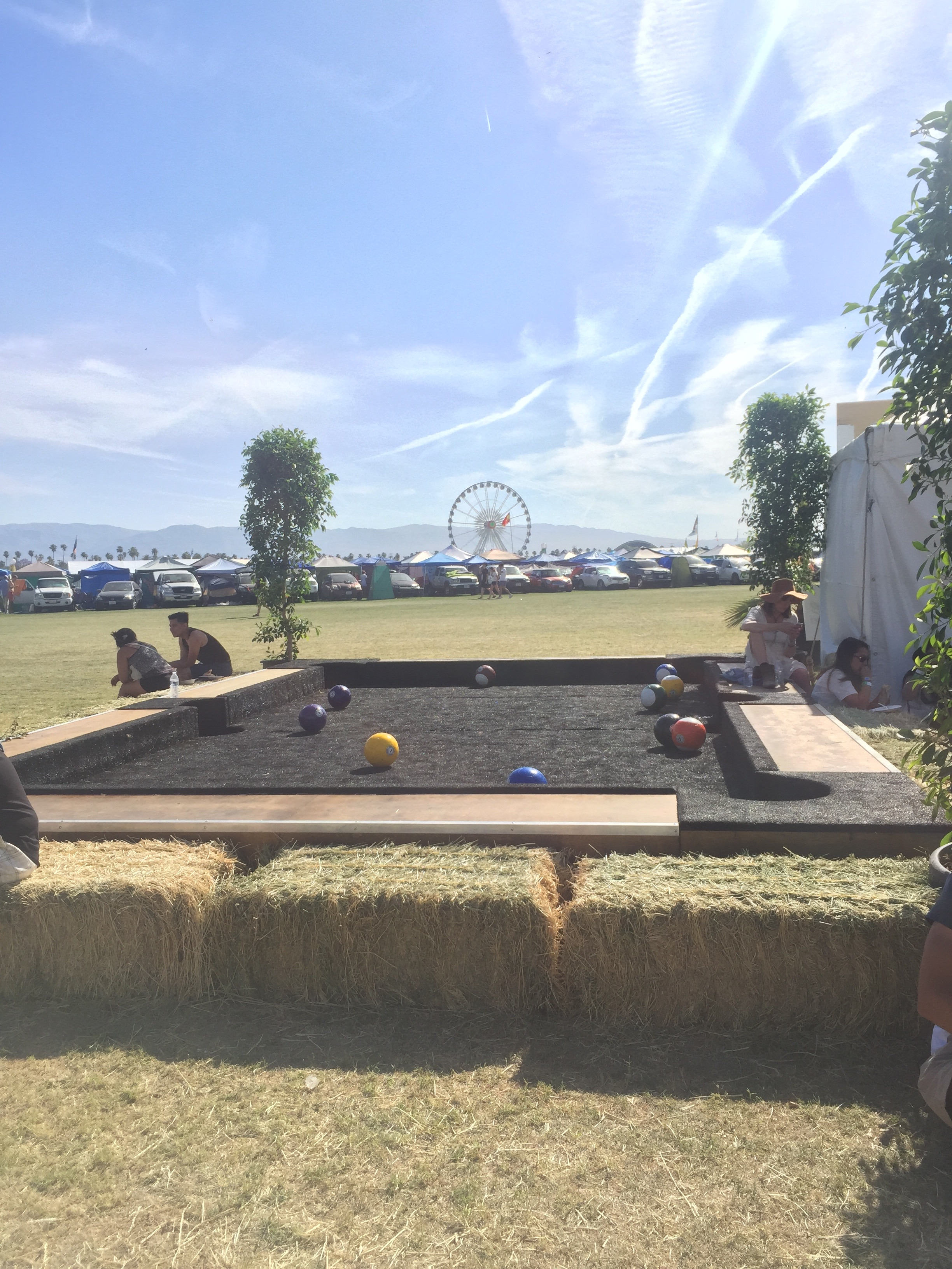Coachella_Camping_Pool