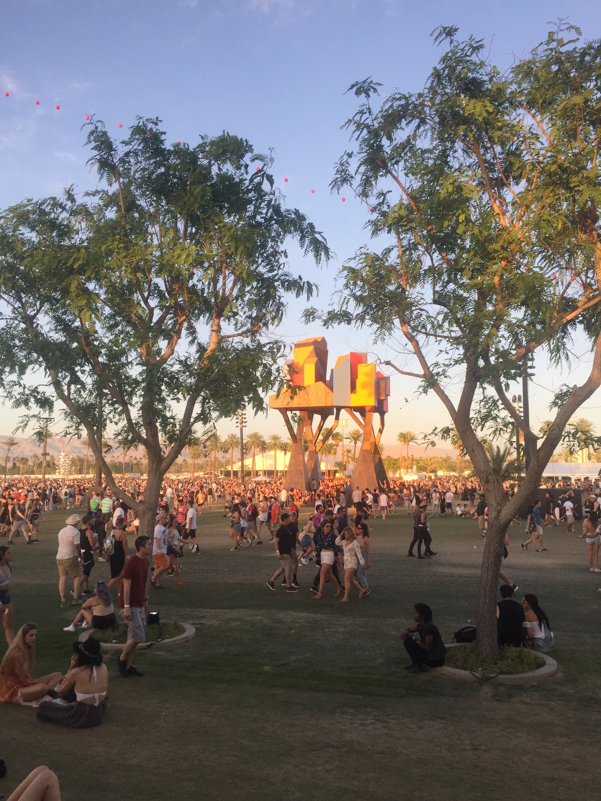 Coachella_Crowded