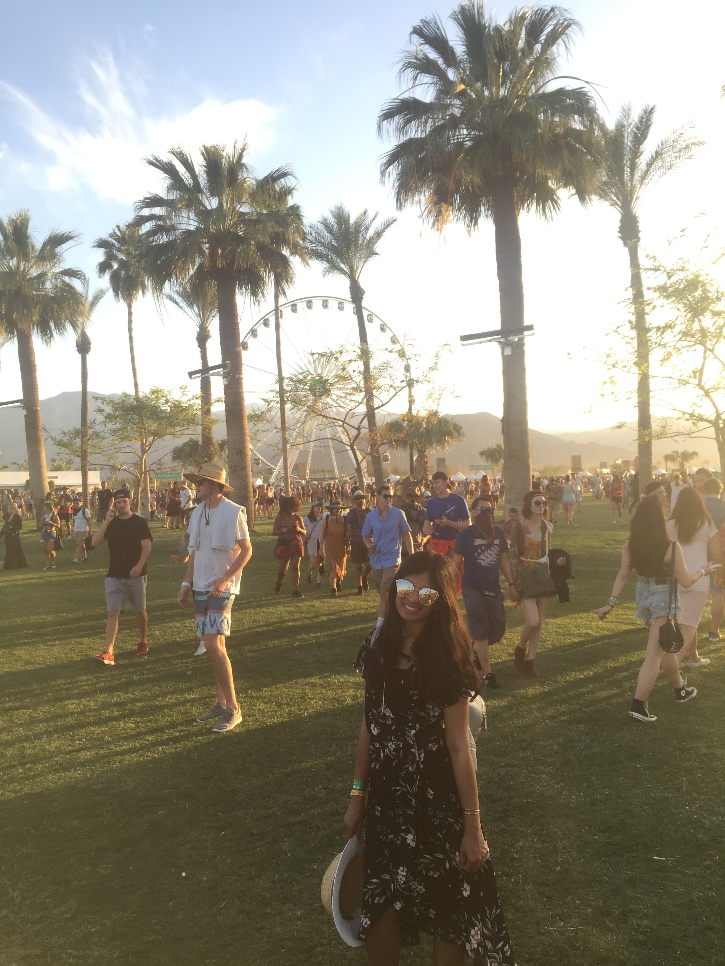 Coachella_Girl_with_Ferris_Wheel