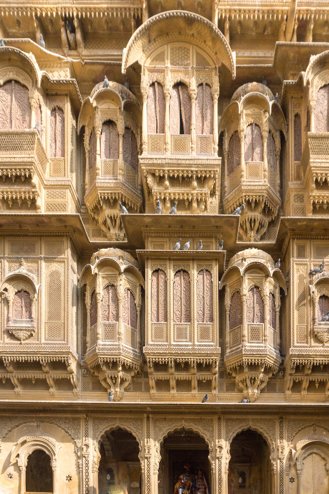Haveli_Windows_Jaisalmer_Her_Travel_Edit