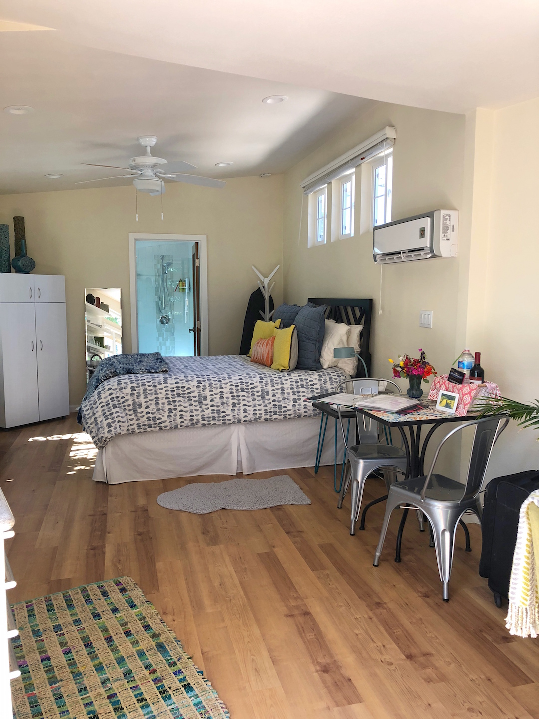 Little House in Orchard Airbnb bedroom