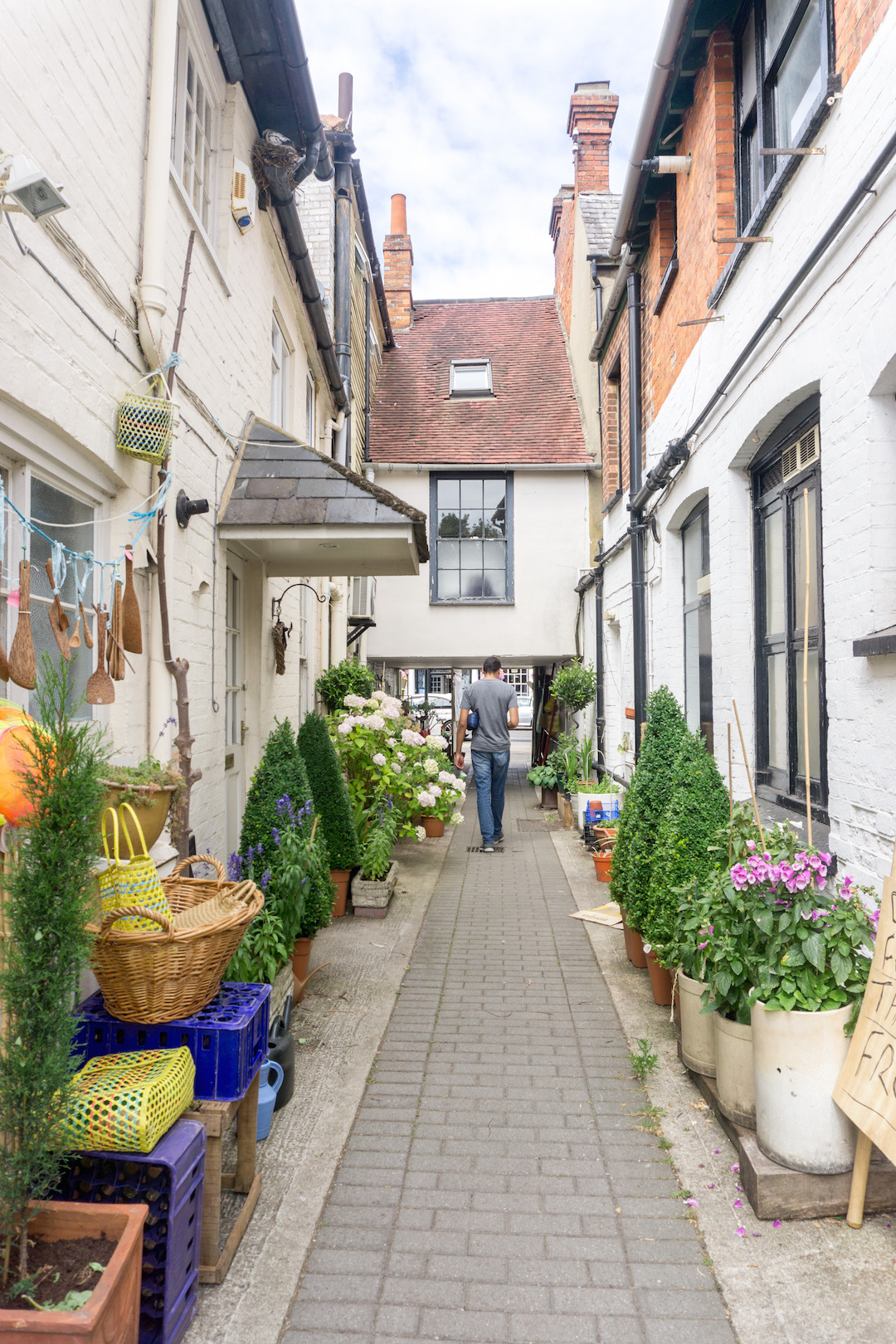 A pretty alley in Henley on Thames