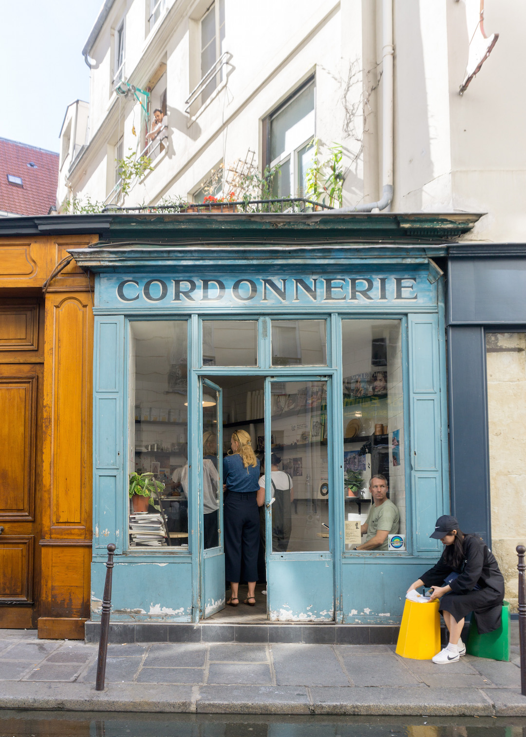 Boot Cafe Le Marais Paris