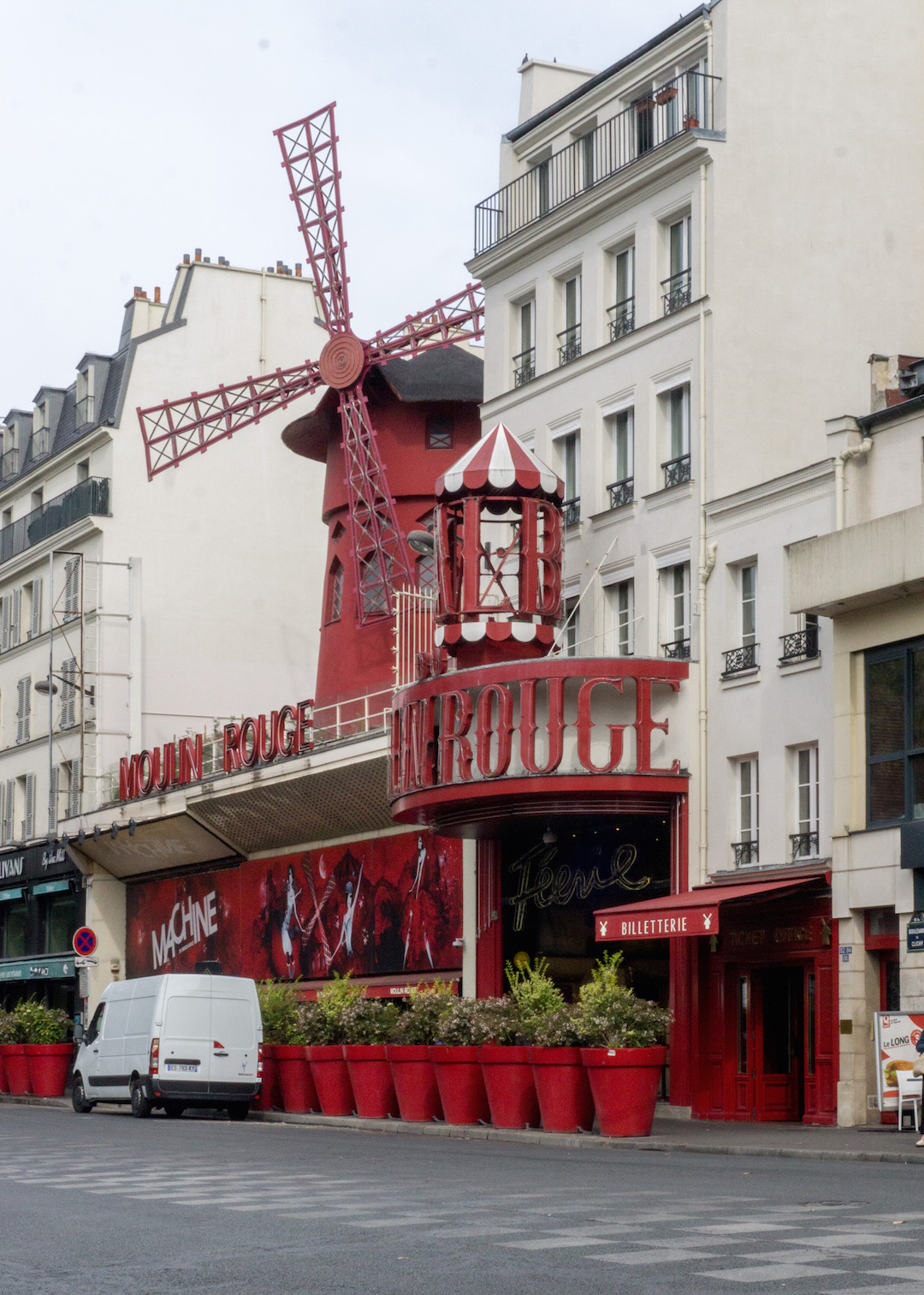 Montmarte Moulin Rouge